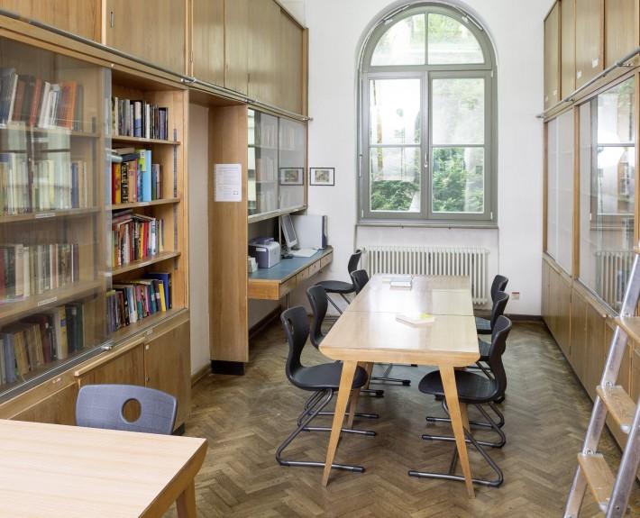 Bibliothek am Karls-Gymnasium Stuttgart |Humanistisches Gymnasium mit Hochbegabtenzug